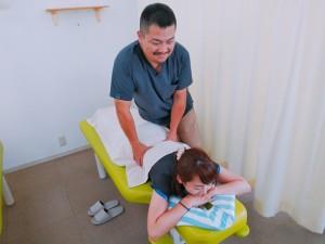 腰の施術 (2)